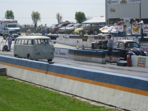 Lining up on the drag strip with DragBus