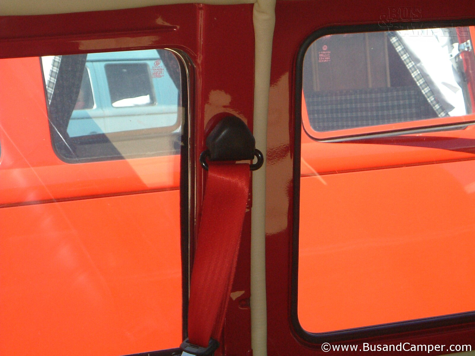 Red Camper seatbelt B post
