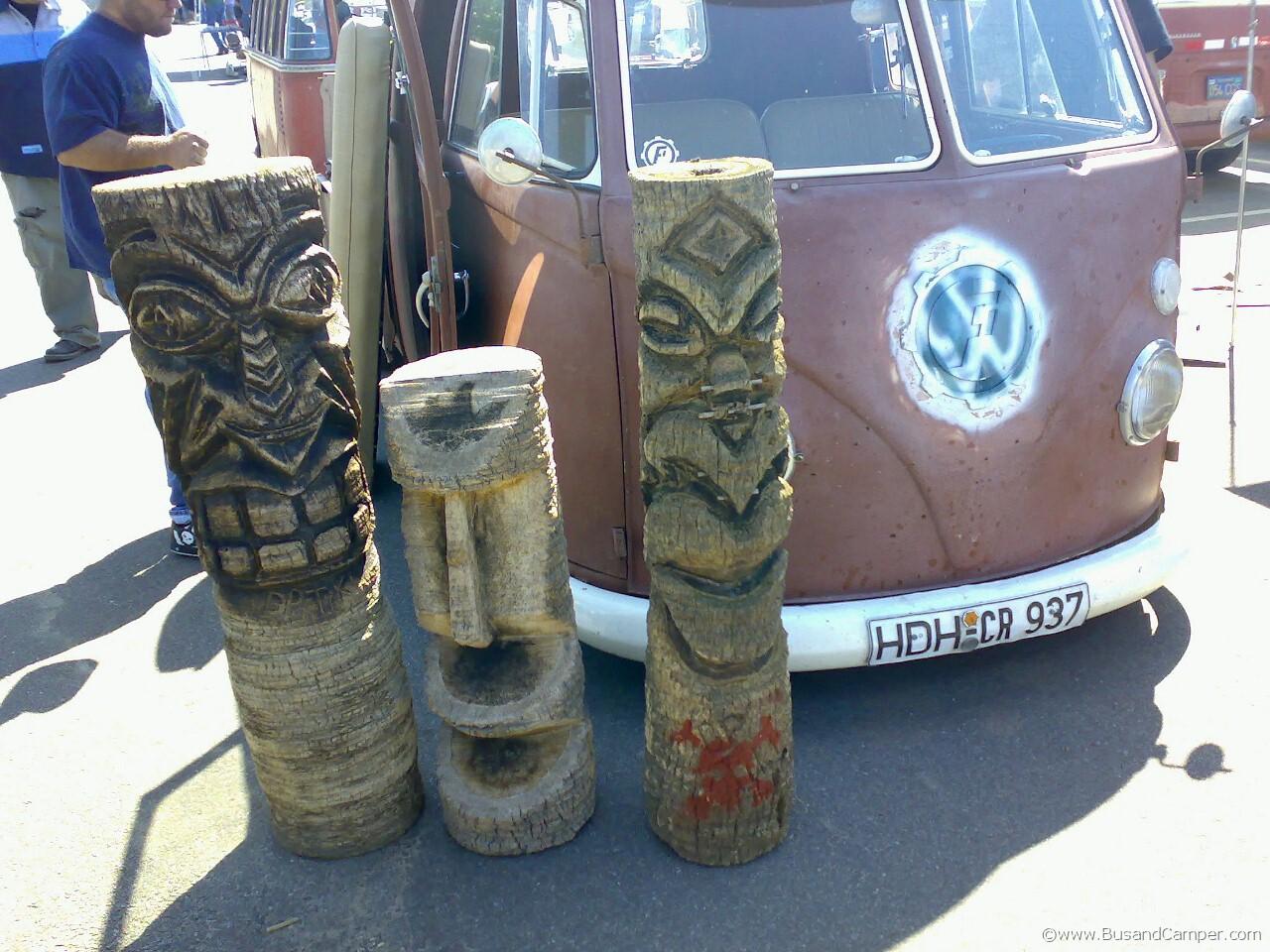 Totem Pole Bus