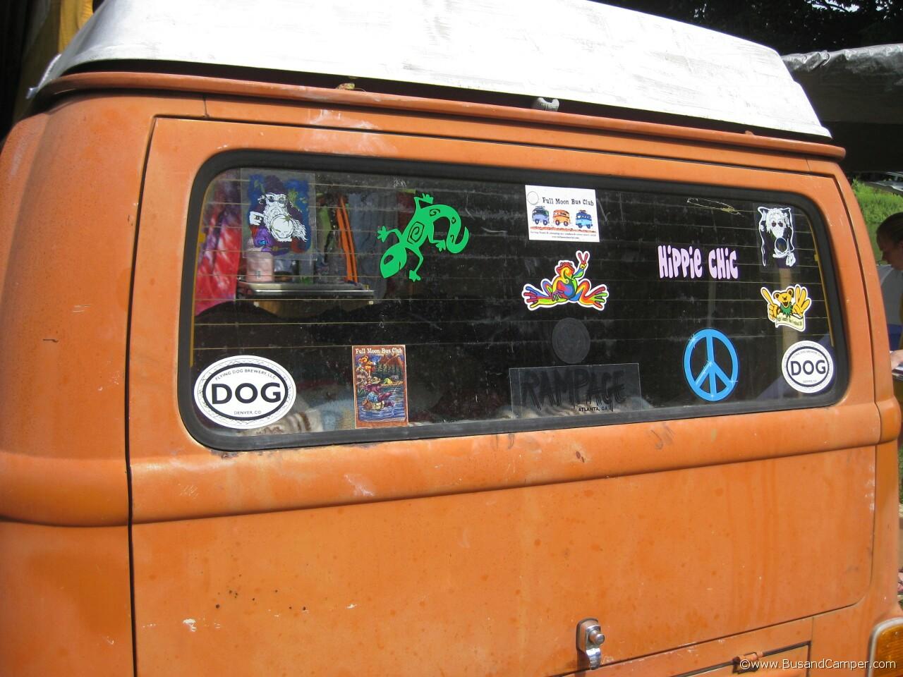 Gekko and DOG sticker 21
