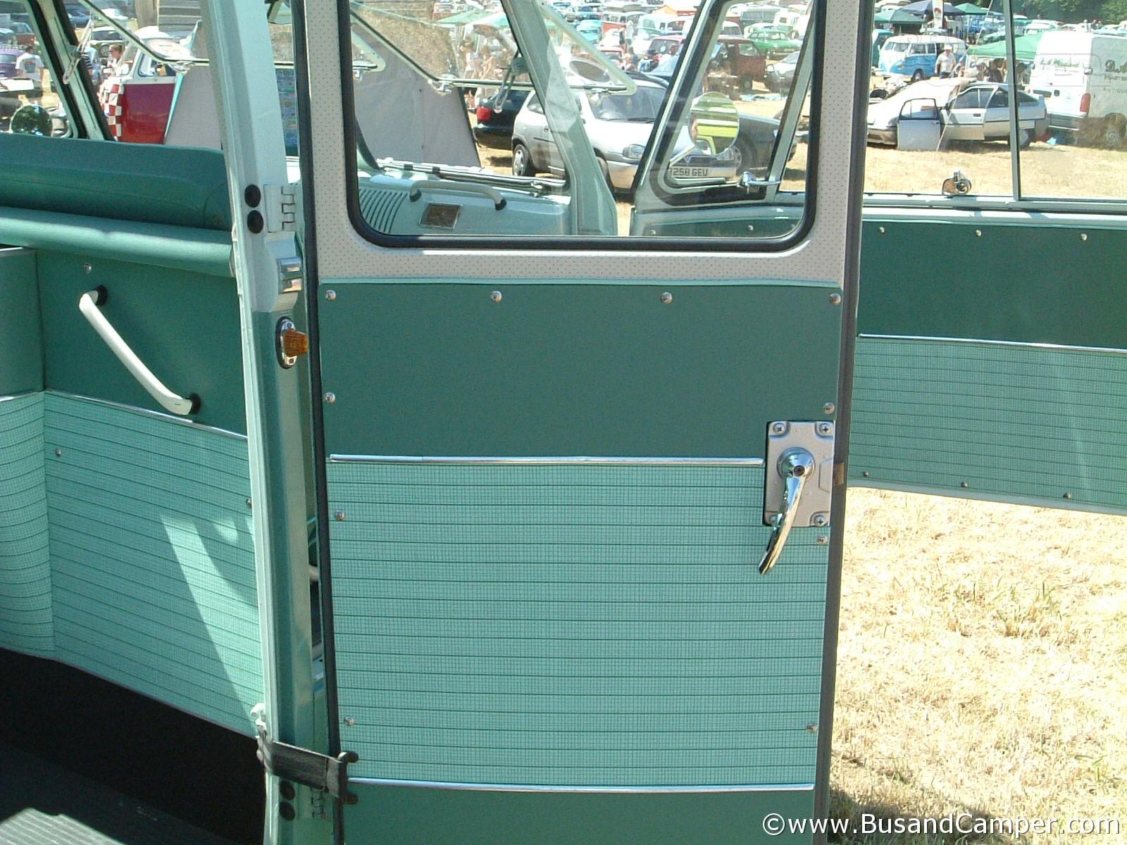 Como green cargo door