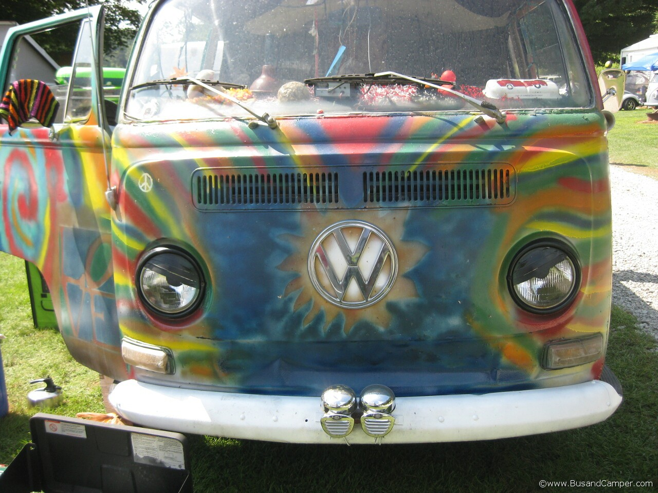 Rainbow Earlybay hand painted front nose VW 12